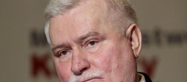 """Opublikownanie ekspertyzy grafologicznej ma dowieść, czy Wałęsa był agentem """"Bolkiem"""" (fot. dziennik.pl)"""