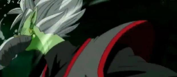 Vegetto ataca a Zamasu en la cara