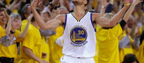 Steph Curry logra un récord histórico