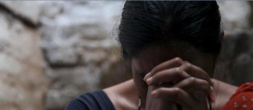 Vítima foi humilhada pela polícia (Foto: Divulgação/A Filha da Índia)