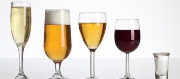 Bebida alcoólica que não deixa com ressaca e não lesiona o fígado.