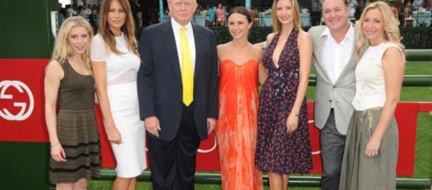 El clan Trump se reúne en la hípica