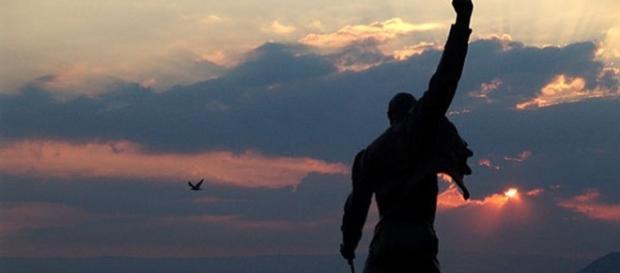 Freddie Mercury - News   AllSongs - allsongs.tv