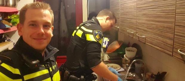 Ingresa en el hospital y la Policía hace la cena a sus hijos - atresmedia.com