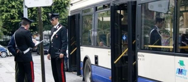 """Palpeggia"""" le vittime sull'autobus, arrestato borseggiatore in via ... - palermotoday.it"""