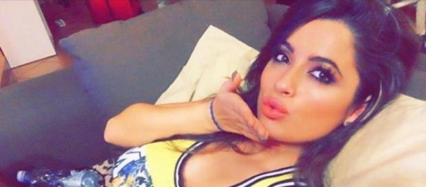 Solo per Bomber : Alessia Macari, selfie hot - avanti un altro   melty - melty.it