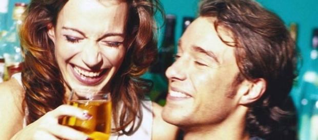 Um estudo aponta que casais que se embebedam juntos são mais felizes