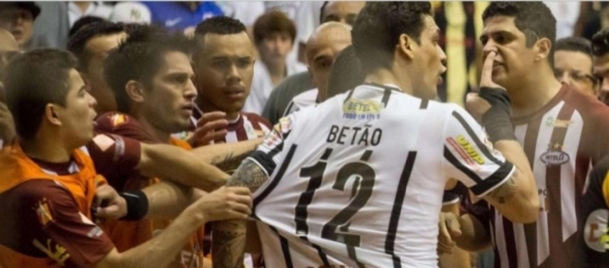 Corinthians busca quebrar maldição e superar trauma na Liga Futsal f69ee5296ebeb