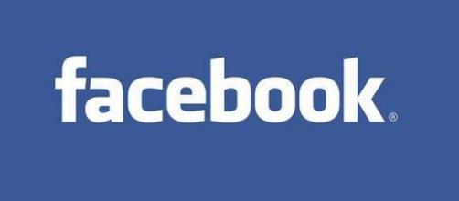 Facebook, il colosso di Zuckerberg sfida LinkedIn