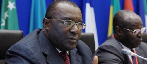 Gouverneur de la Banque des États d'Afrique centrale, L. Abaga Nchama - CC BY