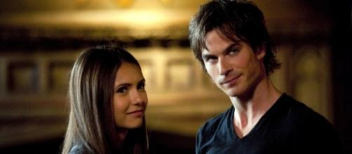 Damon e Elena the vampire diaries.