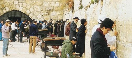 Judaísmo, primer monoteismo revelado