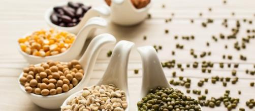 """Legumi e cereali sono alimenti indicati per debellare il """"colesterolo"""" cattivo."""