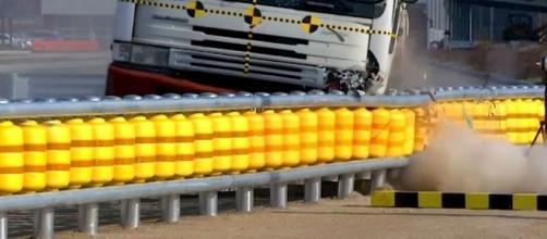 Roller System - Il guardarail coreano salvavita