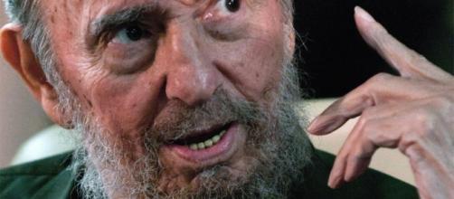 Trump minaccia Cuba, mentre hanno inizio i funerali di Castro!