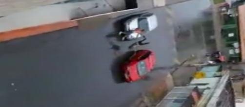 Vídeo mostra jovem atropelando a própria mãe em Riacho Fundo I