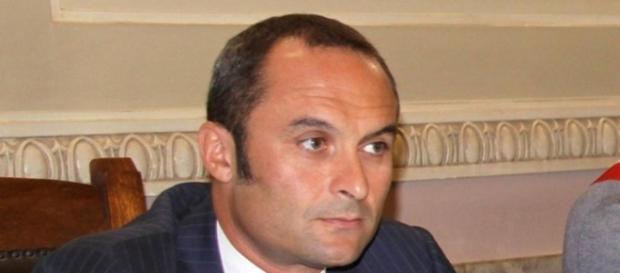 Il Ministro Costa a Messina. Venerdì incontro alla Presidenza del ... - strettoweb.com