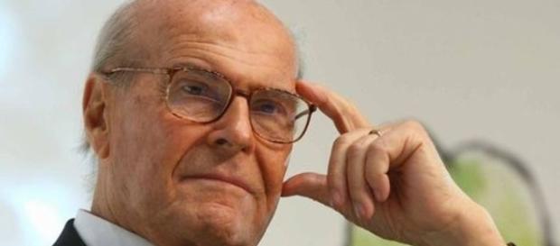 Morto Umberto Veronesi, oncologo, chirurgo e politico italiano