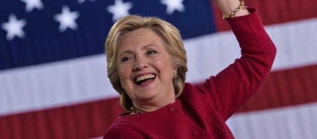 Segundo pesquisas, Clinton será eleita