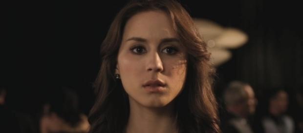 Séries TV: Troian Bellisario (Pretty Litlle Liars) se confie sur son combat contre l'anorexie