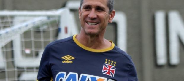 Vasco, do treinador Jorginho, recebe Luverdense pela Série B