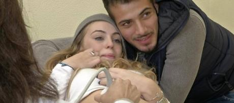 Aldo e Alessia tornano in tv dopo il tradimento: lei lo rivuole ... - perizona.it