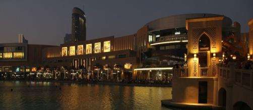 Dubai Mall - en.wikipedia.org/wiki/The_Dubai_Mall