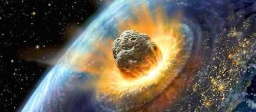 ESA e NASA monitorano lo spazio e mappano gli asteroidi più vicini alla Terra. Ecco tre modi per evitare l'impatto con essi.