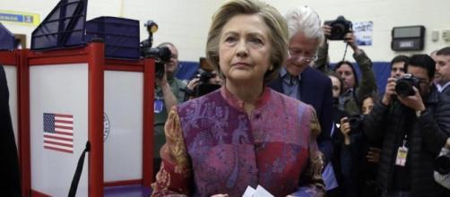 La resa di Hillary Clinton, addio per sempre alla Casa Bianca - La ... - lastampa.it