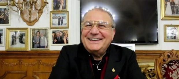 Gita alla Sonrisa: tutti vogliono conoscere Don Antonio, il Boss ... - napolitoday.it
