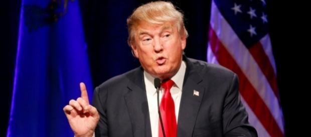 Vince Donald Trump: è lui il nuovo Presidente USA.