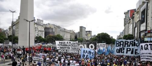 9 de Julio y Corrientes, epicentro de las manifestaciones