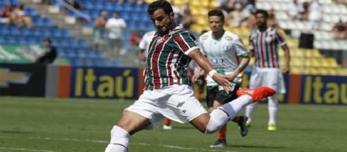 Com apenas dois gols em 13 jogos, Henrique Dourado espera um 2017 mais produtivo no Fluminense (Foto: Arquivo)