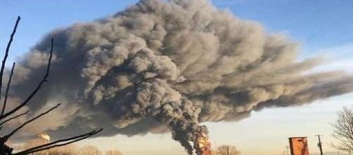 Esplosione in una raffineria petrolchimica Eni in provincia di Pavia