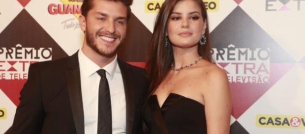 Camila Queiroz comentou a respeito da tragédia que matou 71 pessoas