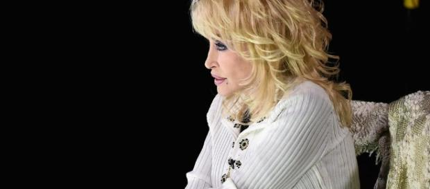 Dolly Parton to donate $1,000 a month to families who lost it all ... - x1029.com
