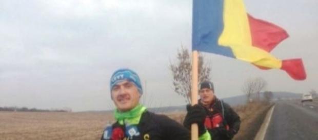 Levente Polgar a alergat 35 de kilometri cu tricolorul