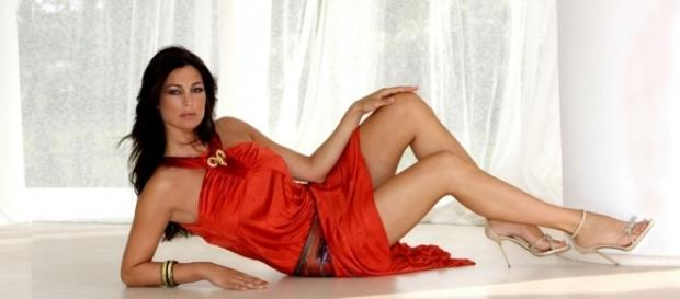 Manuela Arcuri attesa a Salerno