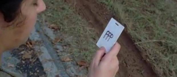 The Walking Dead : à quoi peuvent-bien correspondre ces 3 lettres ?