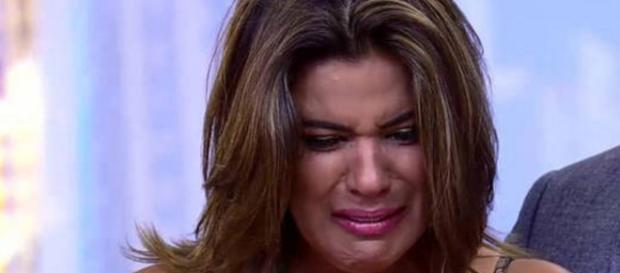 Mara Maravilha chora na televisão - Foto/Record
