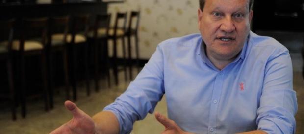 Prefeito de Chapecó falou sobre o assunto em coletiva com a imprensa