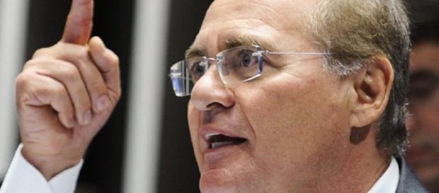 Presidente do Senado, Renan Calheiros, foi indagado sobre eleições indiretas no Brasil
