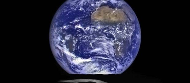 Terra vista do Espaço (Image Credit: NASA/Goddard/Arizona State University)