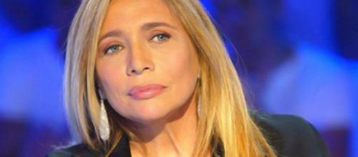 """Mara Venier critica Simona Ventura: """"Alfonso soffre"""" - play4movie.com"""