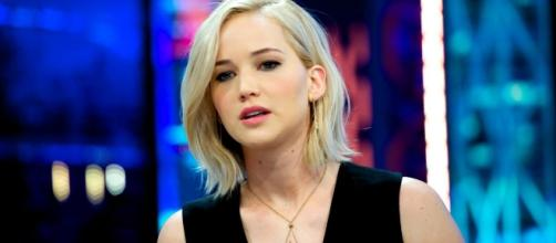 Progressives Attack Jennifer Lawrence for Scratching Her Butt on ... - heatst.com