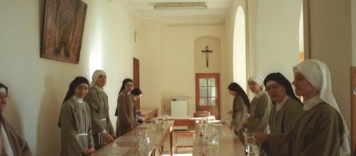 Suore di clausura all'interno di un convento. - Foto di repertorio