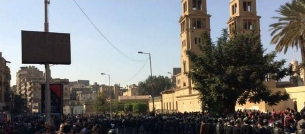 Atac cu bombă lângă o catedrală ortodoxă coptă din Cairo (Egipt)