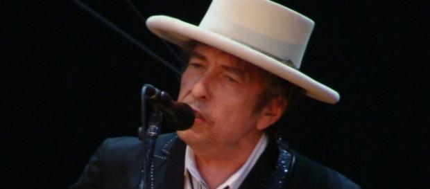 Bob Dylan NU va participa la ceremonia de acordare a premiului Nobel - descopera.ro