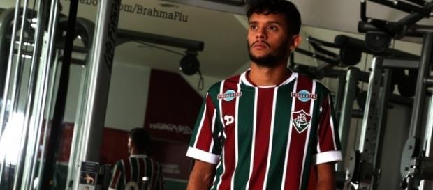 Scarpa pode ver os seu futuro longe do Fluminense (Foto: Arquivo)