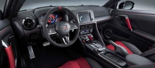 Nuova Nissan GT-R Nismo 600 CV - Foto - Video - NewsAuto.it - Foto ... - newsauto.it